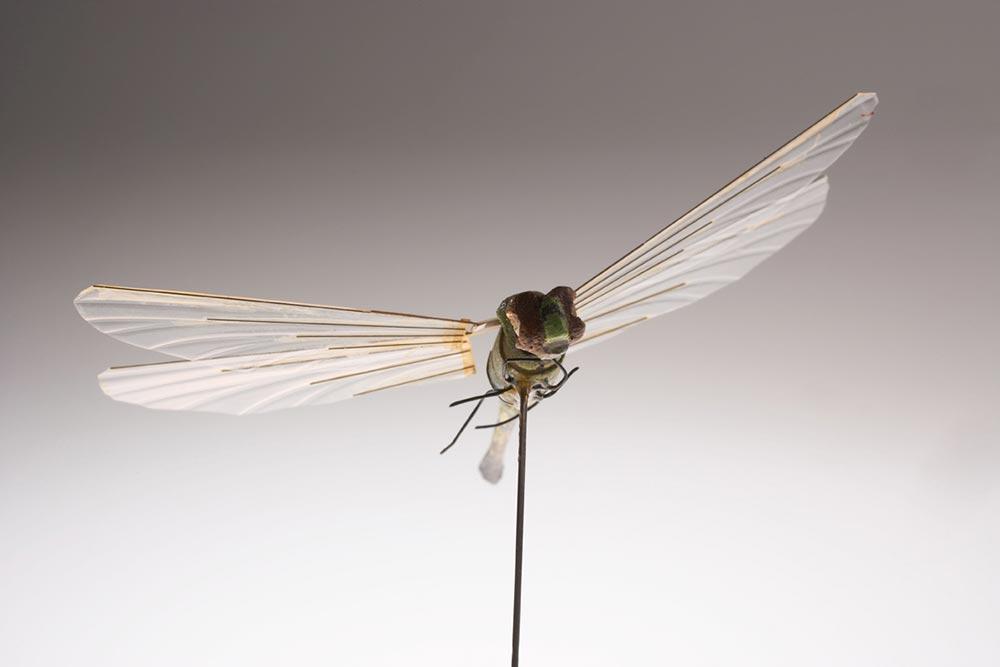 высокотехнологичные шпионские гаджеты Миниатюрная летающая камера